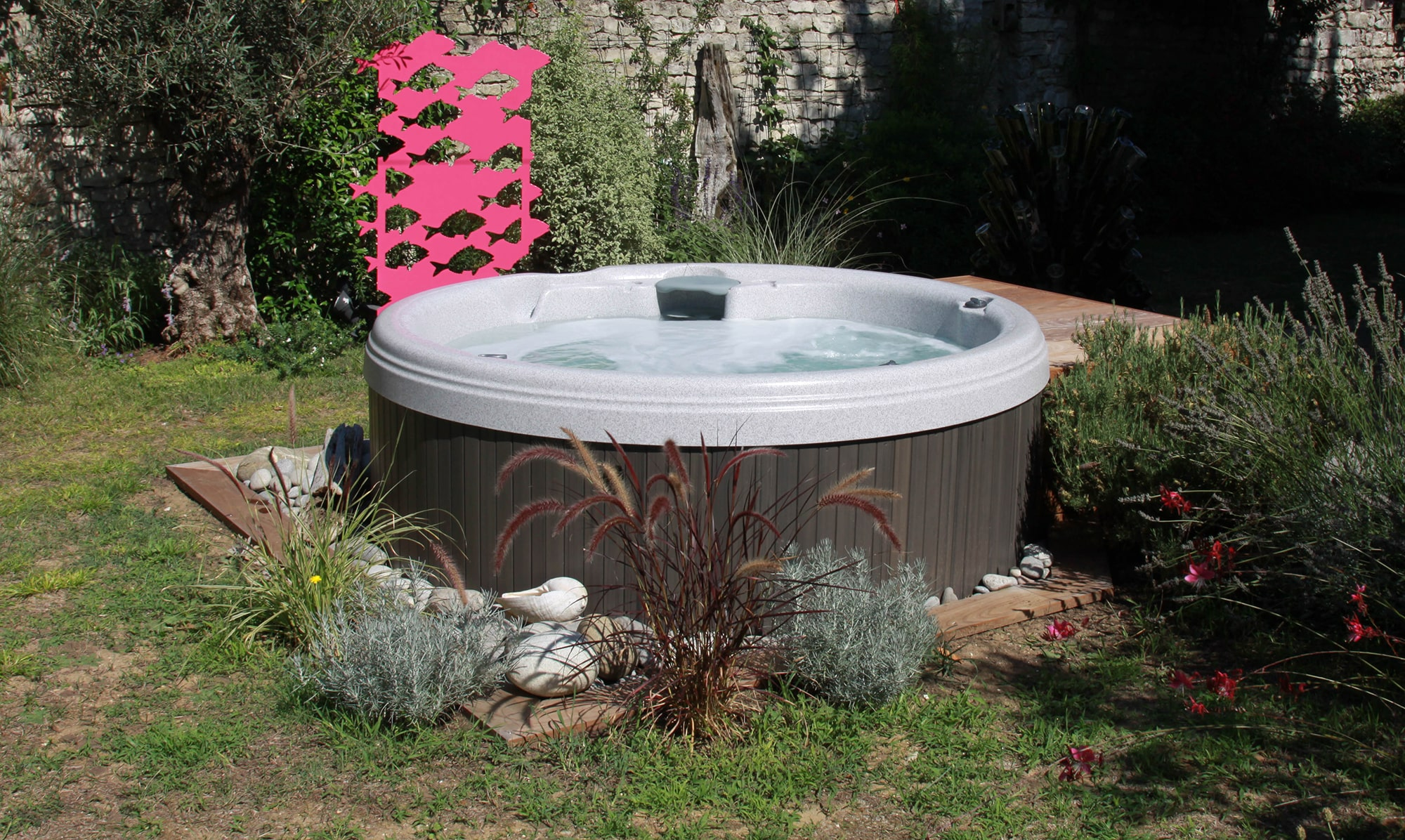 Sundance Spas 680 Series Denali in Redding, California