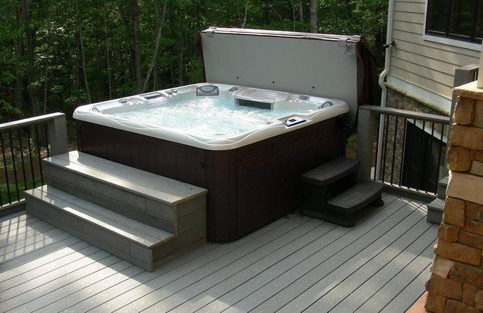Sundance Spas 880 Series Optima with steps in Redding, California