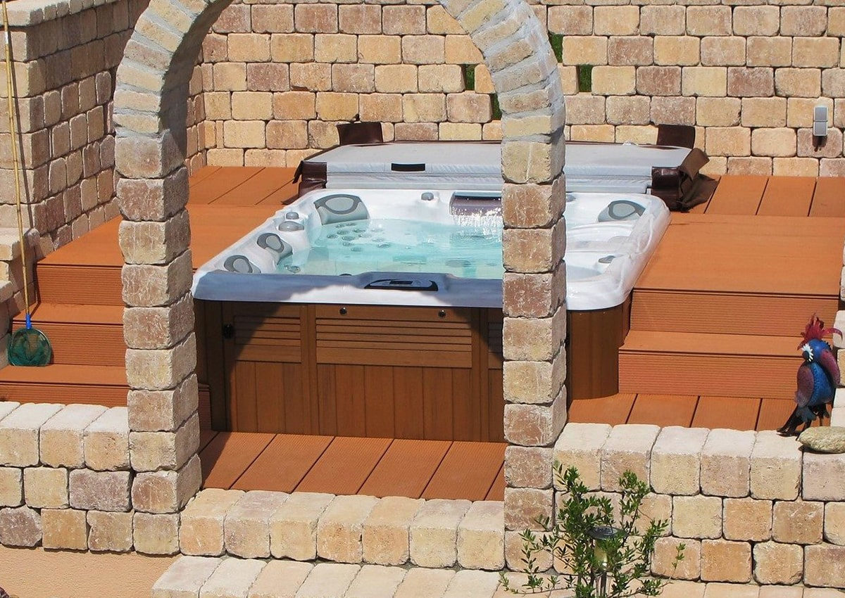 Sundance Spas backyard installation in Redding, California